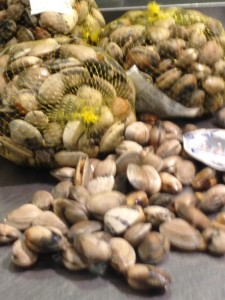 A kilo of clams